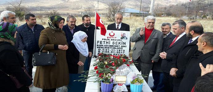 Şehit Polis Memuru Fethi Sekin Mezarı Başında Anıldı